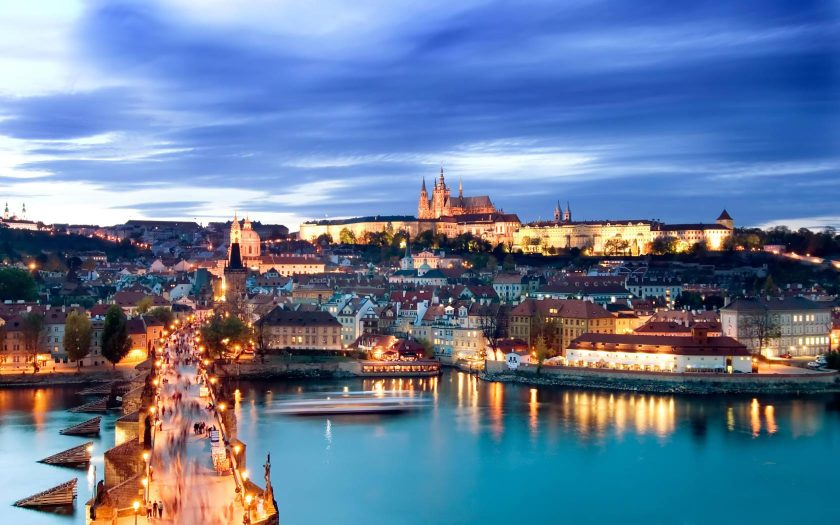 Prague_Castle_at_Dusk-1