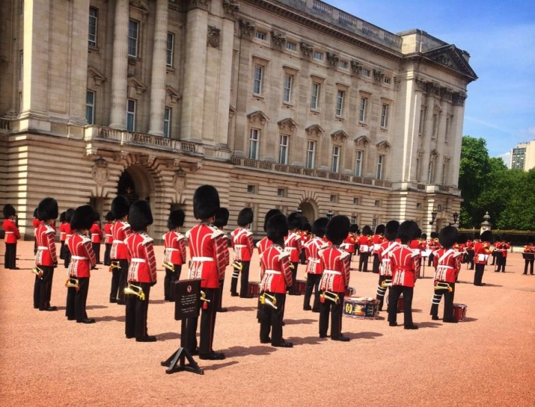 The guards stood in such impeccable formations -- even visible from behind!
